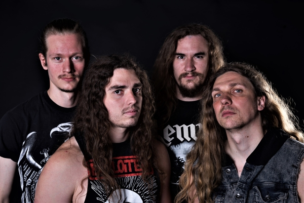 Impalers press shot